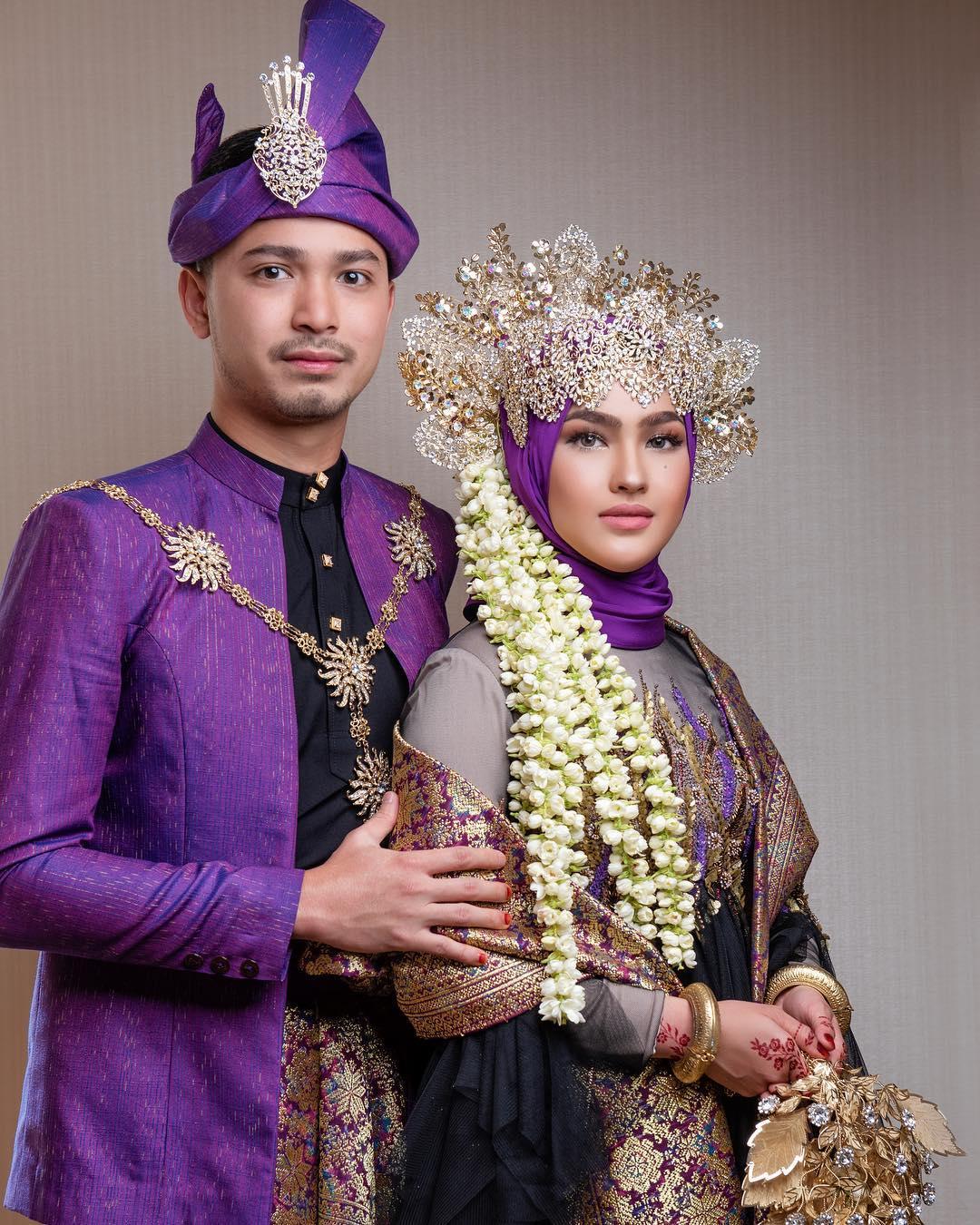 Siapa Sangka, Busana Perkahwinan Yang Dipakai Elfira Selama Sejam Ini Mencecah RM30,000_5c3dd2daaf28e.jpeg