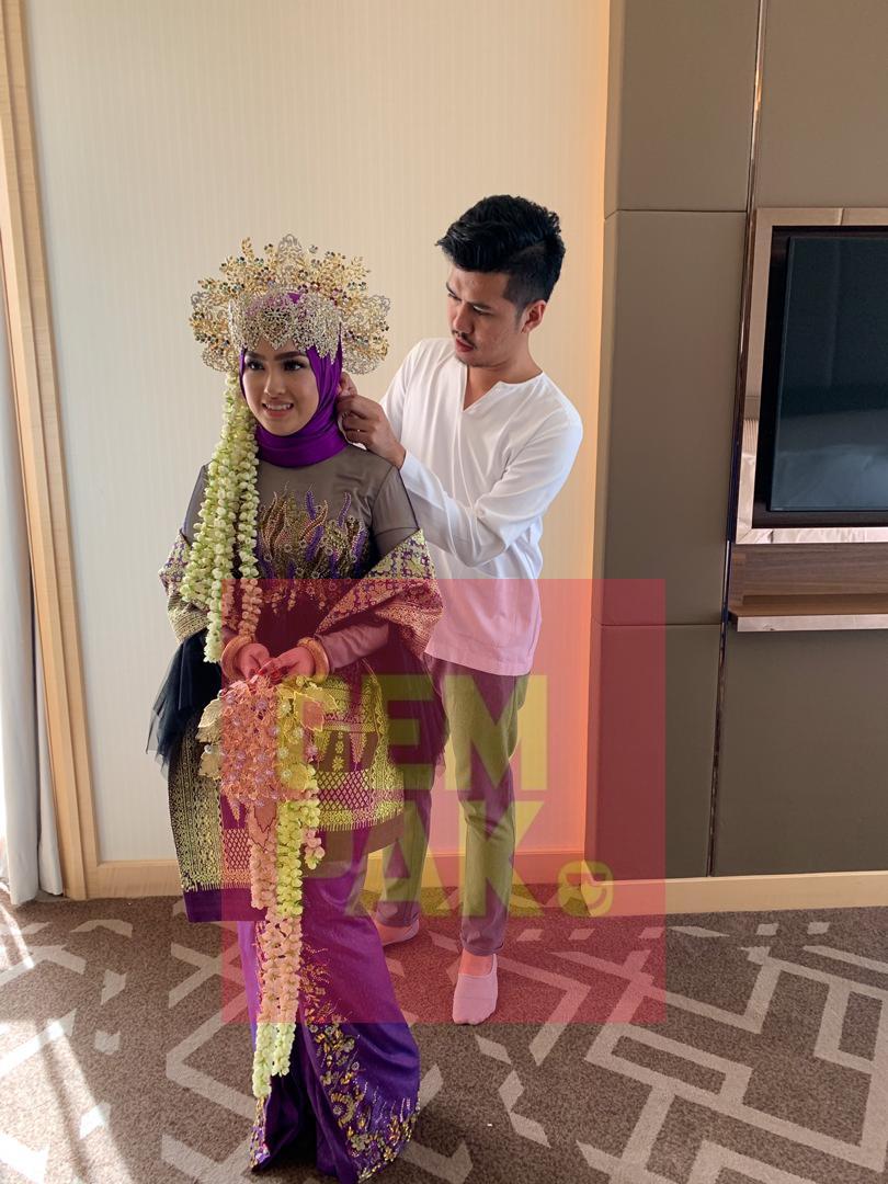 Siapa Sangka, Busana Perkahwinan Yang Dipakai Elfira Selama Sejam Ini Mencecah RM30,000_5c3dd2dd68567.jpeg